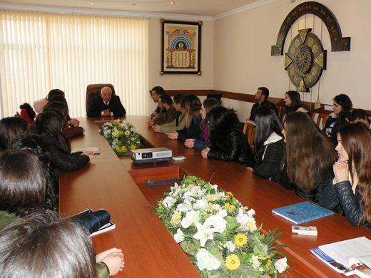 Կայացավ Ուսանողական խորհրդի ներկայացուցիչների հետ  տնօրենի հերթական հանդիպումը